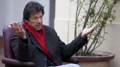 Photo of Imran Khan's 'ghabrana nahin' advice to Pakistanis on price rise is now a viral anthem
